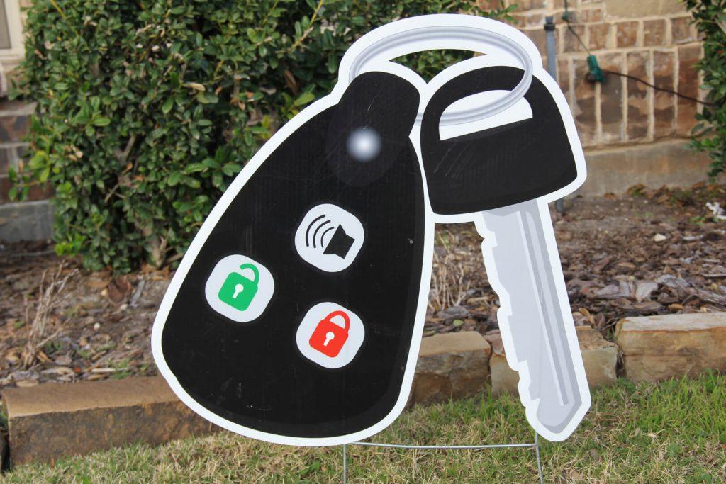 yard sign of car keys