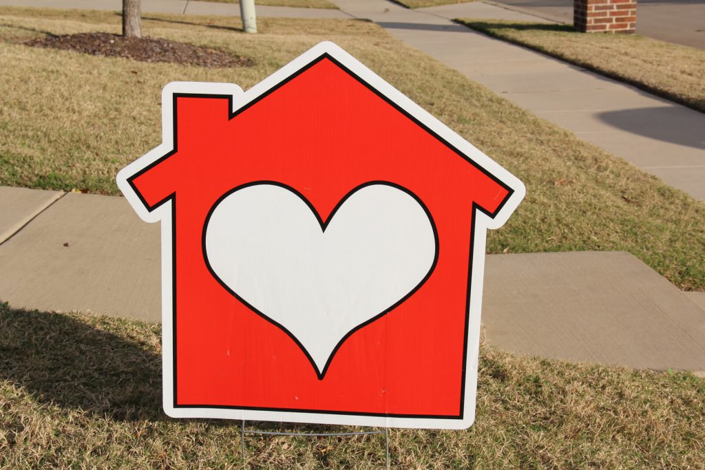 yard graphic of heart house