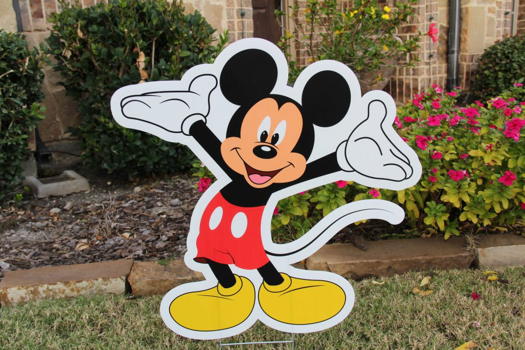 lawn graphic of Mickey Mouse