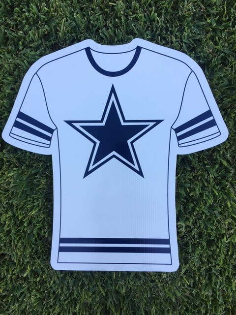 yard sign of Cowboys jersey