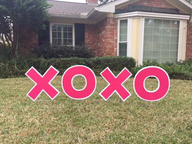 lawn graphic of xoxo