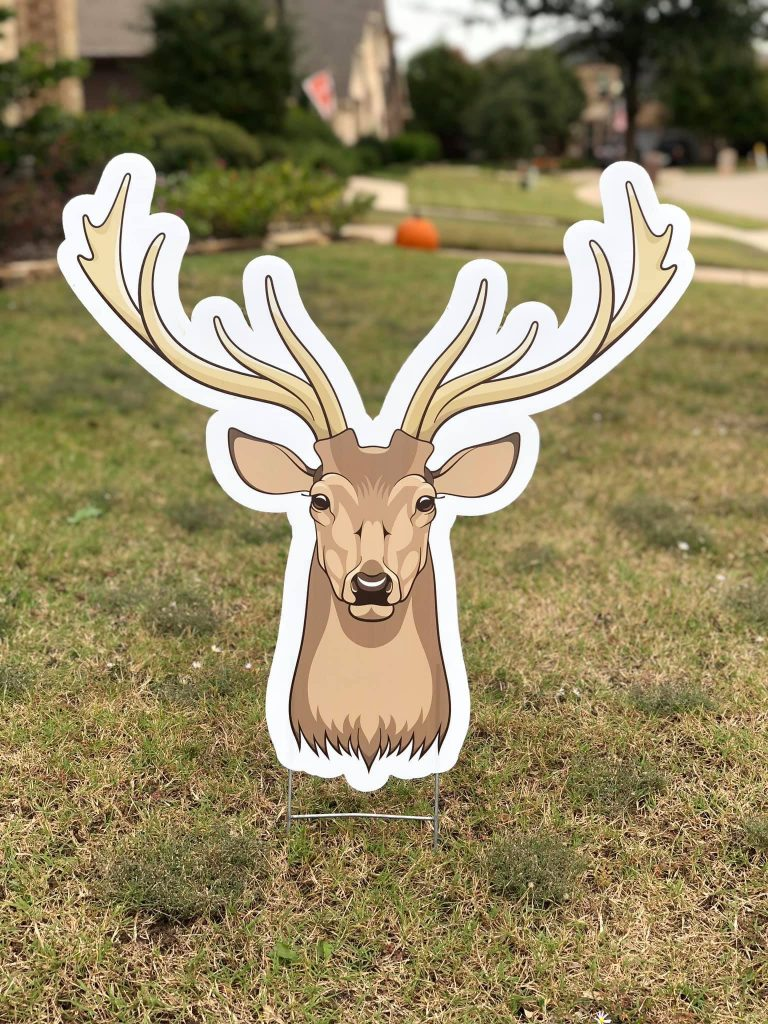 Lawn graphic of deer head