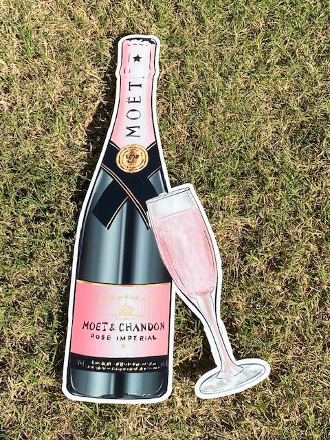 Moet pink champagne